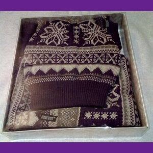 MUK LUKS HAT AND SCARF SET BRAND NEW IN BOX